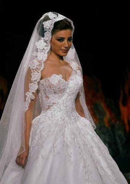 كيفية اختيار طرحة العروس المناسبة Zafaf Net