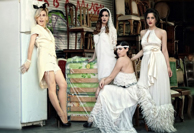 الفساتين السادة