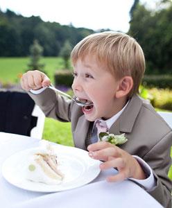 كيف تقلصين ميزانية الطعام في حفل الزفاف
