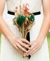 أفكار غريبة ومميزة لباقة أزهار العروس