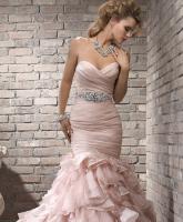 متى يجب اختيار حزام مع فستان الزفاف