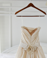 كيف تستطيعين حفظ فستان زفافك