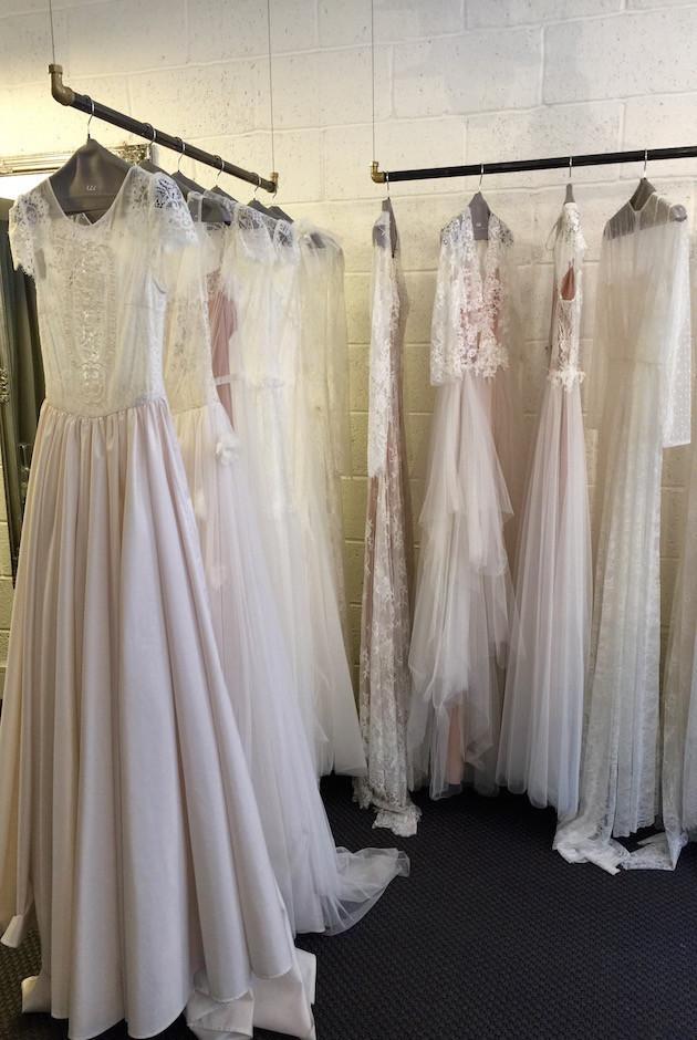 أهم محلات جده لفساتين الأفراح مع التفاصيل والأسعار