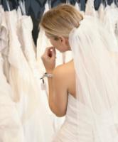 نصائح مهمة قبل شراء فستان الزواج