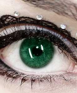 هل عيناك خضراوتان؟ كيف تضعين مكياجاً لهما؟