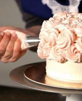 11 نصيحة تسهل اختيار كعكة الزفاف