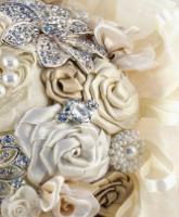 صرعات جديدة لباقة العروس في يوم زفافها