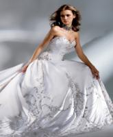 التقطي أجمل الصور لفستان زفافك