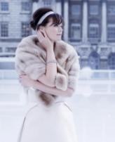 لعروس الشتاء.. تمتعي بإطلالة دافئة