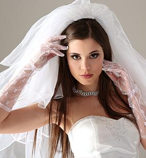 كوني عروسة مميزة في حفل زفافك