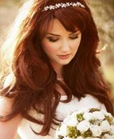 زيني شعرك بالزهور في يوم زفافك