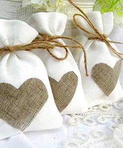 هدايا المدعوين في حفلات الزفاف(توزيعات الزفاف)