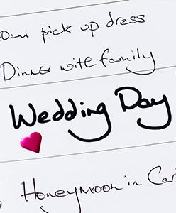 3 أمور تجنبي إنجازها بنفسك في حفل زفافك