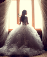 انتقي فستان الزفاف والحذاء الذي يناسب حركتك