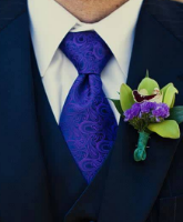 ربطة العنق عنوان أناقة العريس