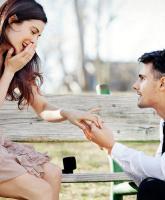 كيف تفاجئ من تحب بطلب الزواج