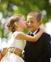 كيف تشغلين الأطفال في حفل زفافك؟
