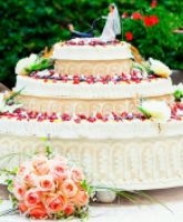 كعكة زفاف فصل الصيف وطرق تزيينها