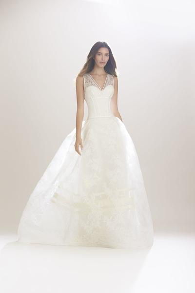 1097b4cdaeb06 فساتين زفاف نفاش كارولينا هيريرا