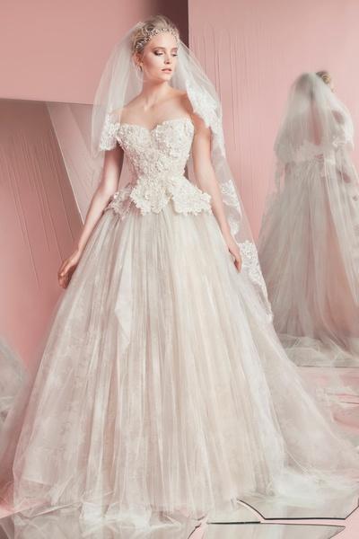 4aa56b8414136 فساتين زفاف نفاش زهير مراد دانتيل