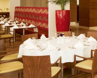 الزفاف في مطاعم الشارقة-Sharjah