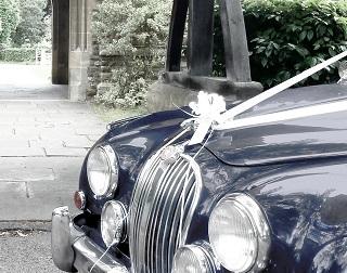 سيارة الزفة